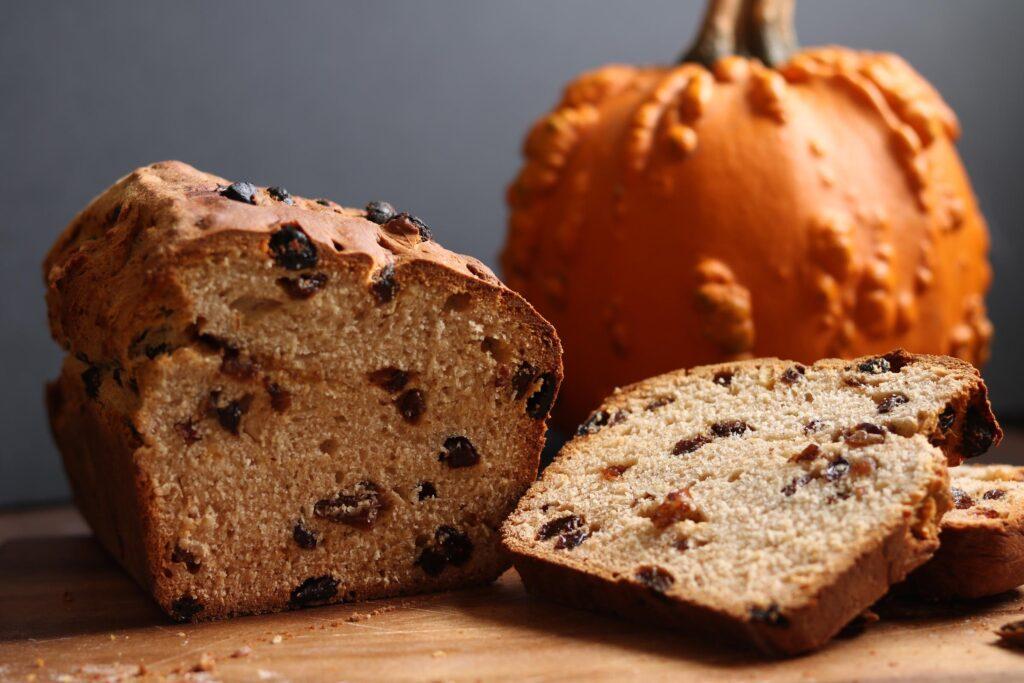 Barmbrack, il dolce tradizionale irlandese di Halloween